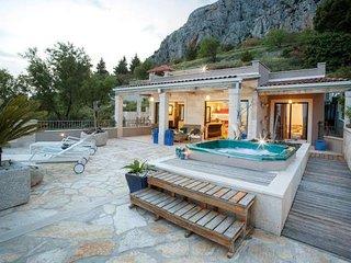2 bedroom Villa in Kotišina, Splitsko-Dalmatinska Županija, Croatia : ref 550506