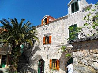 2 bedroom Villa in Gornja Podgora, Splitsko-Dalmatinska Županija, Croatia : ref