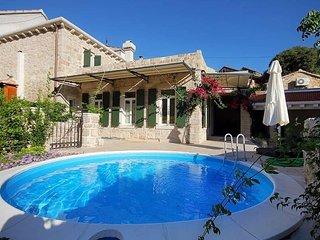 3 bedroom Villa in Svirce, Splitsko-Dalmatinska Zupanija, Croatia : ref 5505432