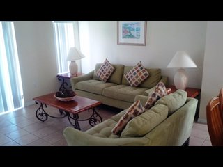 Orlando - Standard Vacation Rental - 8 Guests - 3 Bedrooms