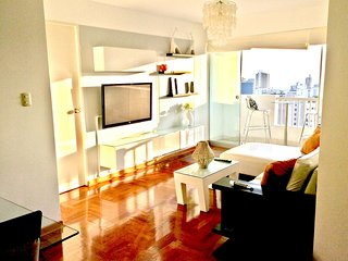 Modern 3 bedroom - WITH FANTASTIC VIEWS OF THE OCEAN AND MIRAFLORES