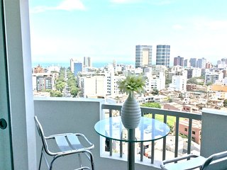 OCEAN AND CITY VIEWS - 3 bedrooms MIRAFLORES APART