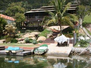 Casa Beira Lagoa com deck para barcos aluguel por temporada