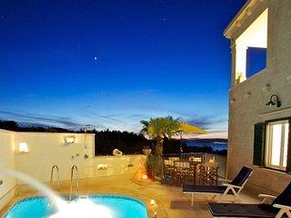 4 bedroom Villa in Mirca, Splitsko-Dalmatinska Županija, Croatia : ref 5505445