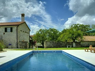 7 bedroom Villa in Rojnići, Istria, Croatia : ref 5505557