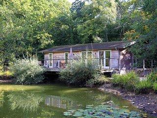 Gaia's Lodge, 4 Indio Lake located in Bovey Tracey, Devon