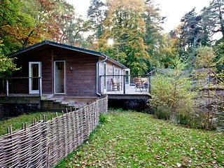 Gaia's Lodge, 4 Indio Lake located in Bovey Tracey, Devon