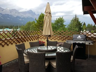 Teepee Town Penthouse Suite, Canmore