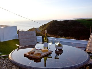 The Chalet By The Sea, Whitsand Bay located in Whitsand Bay, Cornwall