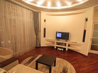 Super VIP 3 rooms. square-ra on Khreshchatyk at 80€