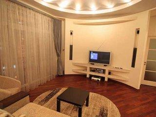 Super VIP 3 rooms. square-ra on Khreshchatyk at 80€