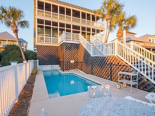 Large 5BR Beach House w/ 1,000 Sq Ft of Deck Space, Gulf Views & Private Pool