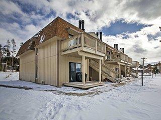 2BR Fraser Condo w/Fireplace - Near Ski Shuttle