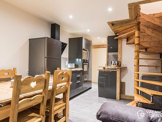 Amazing SKI-IN SKI-OUT Duplex: Very Cosy and Ideally Located (O715)