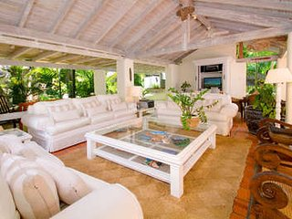 6 Bedroom Coral Stone House on Sandy Lane Beach, Holetown