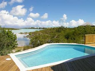 Delightful 2 Bedroom Waterfront House with Pool on Chalk Sound, Providenciales