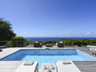 2 Bedroom Villa with Private Pool & Deck in Gouverneur