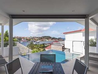 2 Bedroom Villa in Gustavia, Walking Distance to Shell Beach