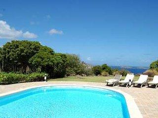 Private 3 Bedroom Hilltop Villa in Montjean