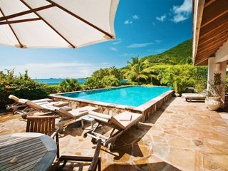 Spectacular 4 Bedroom Beach Villa in Mahoe Bay