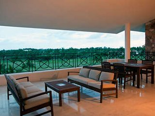 Tremendous 4 Bedroom Condo with Pool in Punta Mita