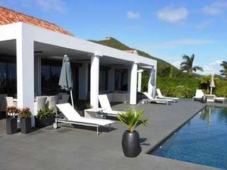 4 Bedroom Villa with Panoramic View in Orient Bay