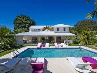 Extraordinary 4 Bedroom Villa on Gibbes Beach