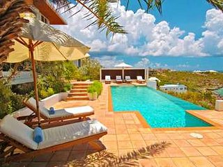 Large 7 Bedroom Villa with Private Pool in Sandy Hill, Sandy Hill Bay