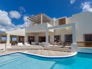 Incredible 6 Bedroom Villa with View in Long Path