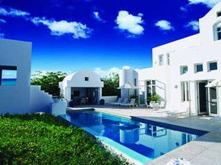 Astonishing 4 Bedroom Villa with Private Terrace in Long Bay