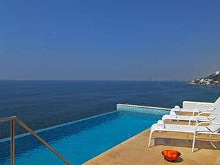 Magnificent 8 Bedroom Villa in Puerto Vallarta
