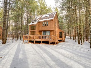 Fox Run Townhouse w/,Wifi near skiing! Great for 2 Families-Sleeps 13!, Bartlett