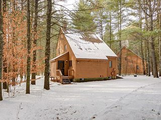Fox Run Townhouse w/,Wifi near skiing! Great for 2 Families-Sleeps 13!