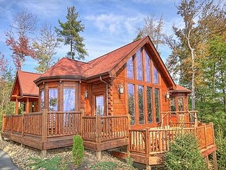 Luxury Getaway Cabin - Secluded but close to the fun, Sevierville