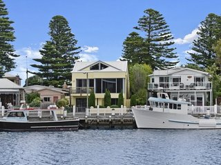 """ The Waterfront Apartment"", Port Fairy"