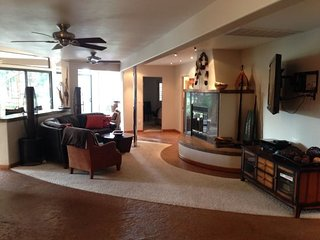 Spacious Beautiful Home On The Golf Course, Great For Entertaining!