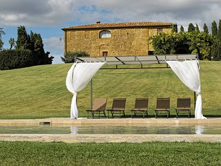 Luxury Villa Relais under the Tuscan Sun