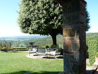 Tuscany Villa with Breathtaking View, Oliveto