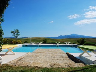 Luxury Privacy in the Heart of Tuscany, Monticchiello