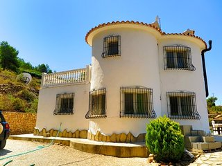 Fabulous 3 Bedroom Detached Villa with Private Pool, Jalon