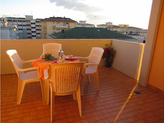 Quiet Condo Lido dei Pini - Close to the Beach - Aircondo - Private Parking, Bibione