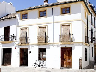 Beautiful and central house for up to 8 guests, Cordoba