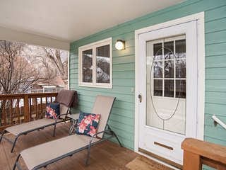 Victorian Home Within Steps of Downtown and Hot Springs Pool! JUNE SPECIAL!, Glenwood Springs