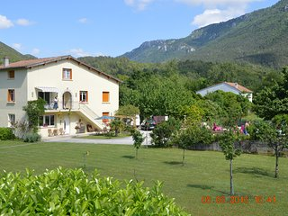 La Riviere Lune Ground Floor Apartment with shared swimming pool, Belvianes et Cavirac