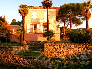 Beautiful Belle Epoque Villa with Panoramic view, Villefranche-sur-Mer
