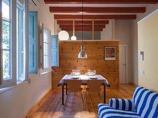 Apartamento de calidad con patio y toques de diseño en el barrio de Gracia, Barcelona