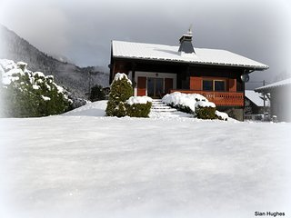 Chalet Chablais, spacious well-equipped apartment with mountain views