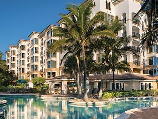 Marriott's Ocean Pointe: Studio, Sleeps 4, with Kitchenette, Palm Beach Shores