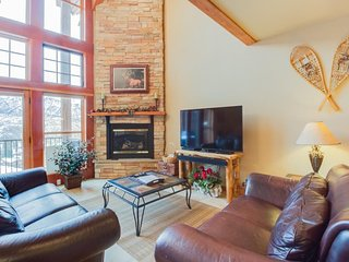 Luxury ski-in/ski-out home w/ fireplace, jetted tub, & shared pools/hot tubs