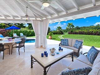 Caribbean Casas: Charming Villa Carlton for 6 guests, a short drive to the beach